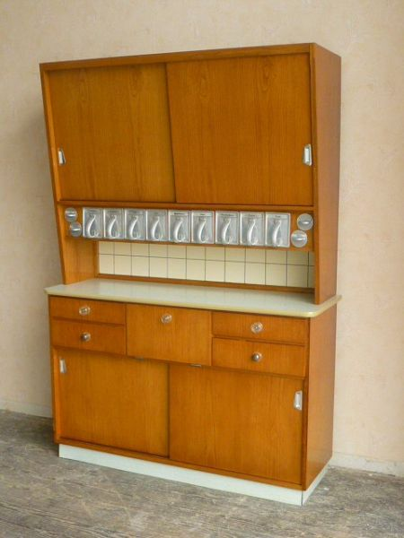 frankfurter kuechenbuffet schrank yvontage vintage neu erleben. Black Bedroom Furniture Sets. Home Design Ideas
